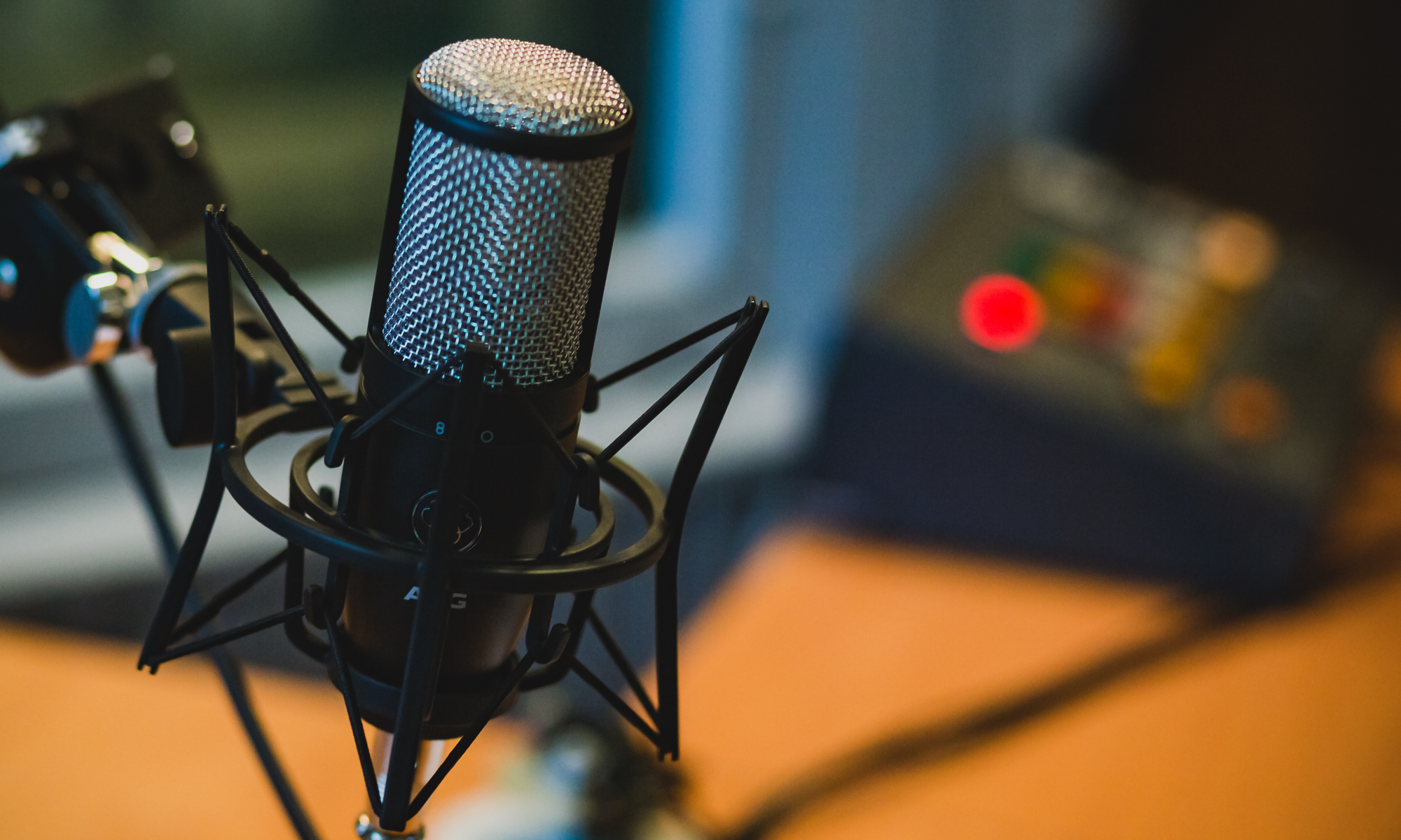 The 11 Best Web Microphones for Webinar Hosting
